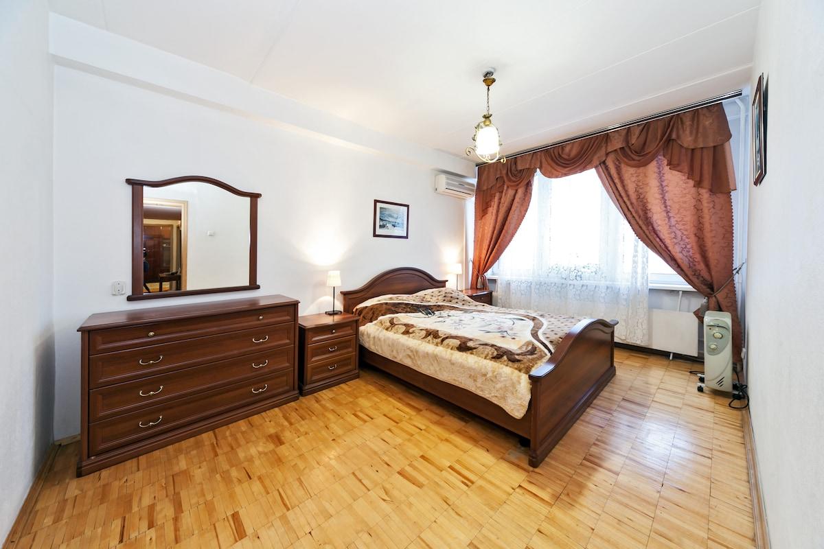 Cosy 2 bedroom, Noviy Arbat, 26