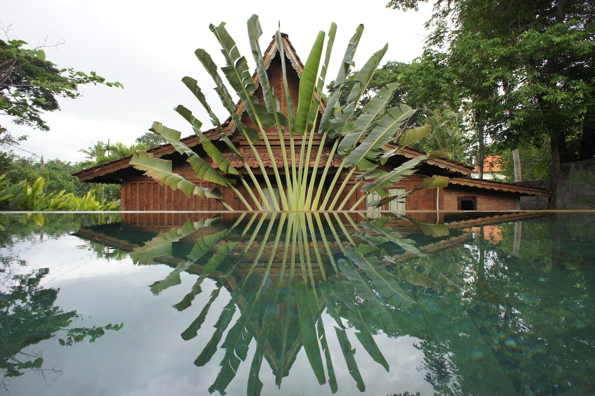 The gladak house over 12 m swimming pool