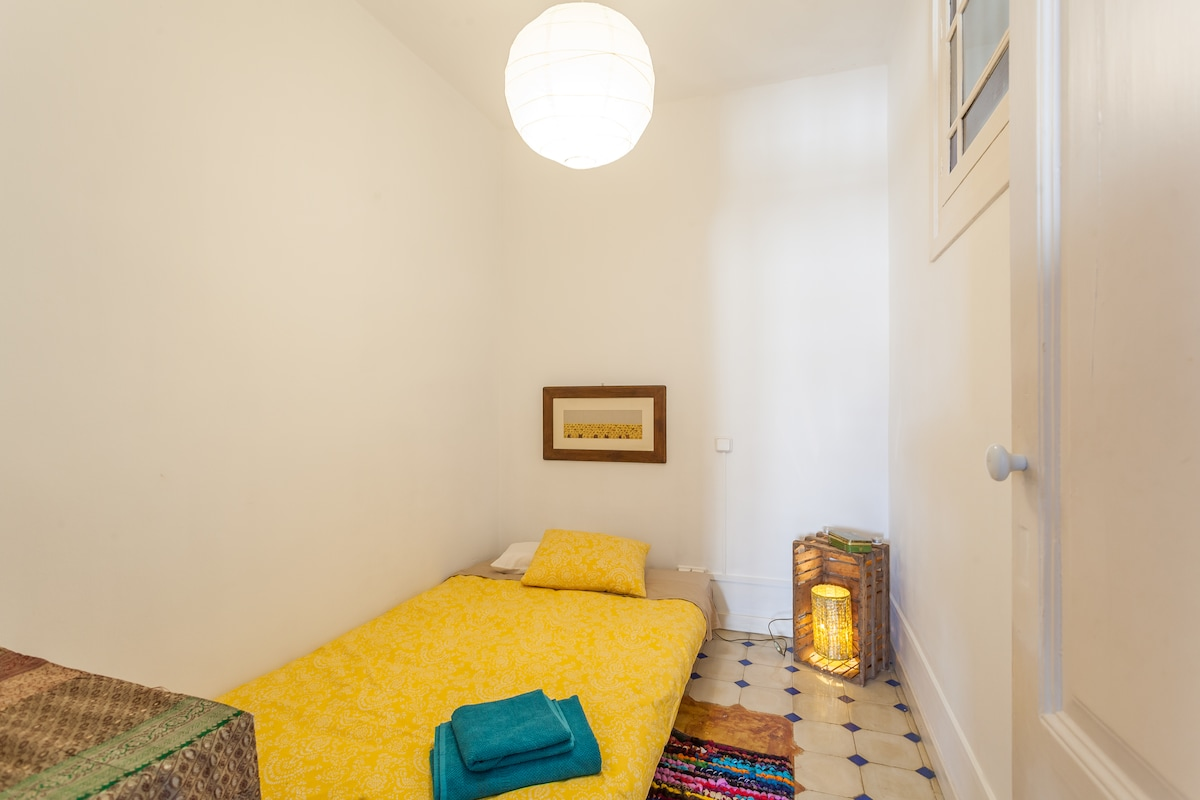Quite room in stylish central flat