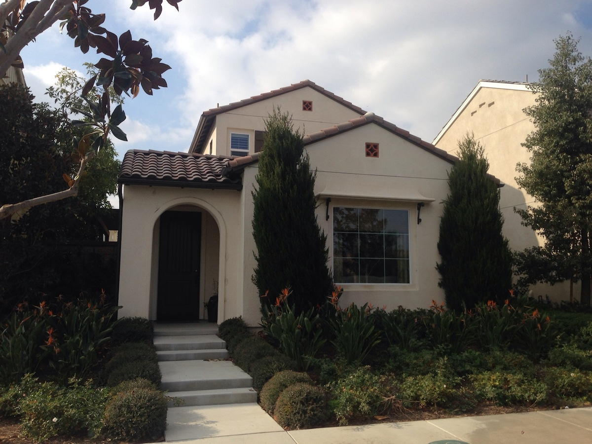 Brand new 3bdr model home for rent!