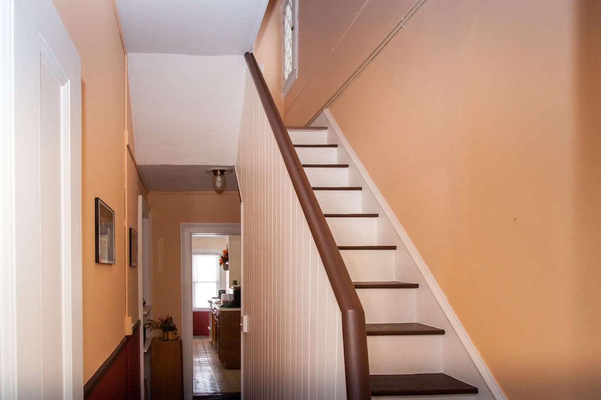 Stairway leading to second floor bedrooms