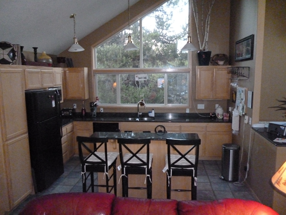 Kitchen with all the appliances and conveniences needed for a comfortable stay