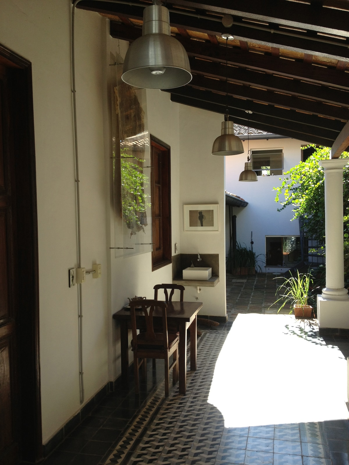 Main entrance / Access to Room 1