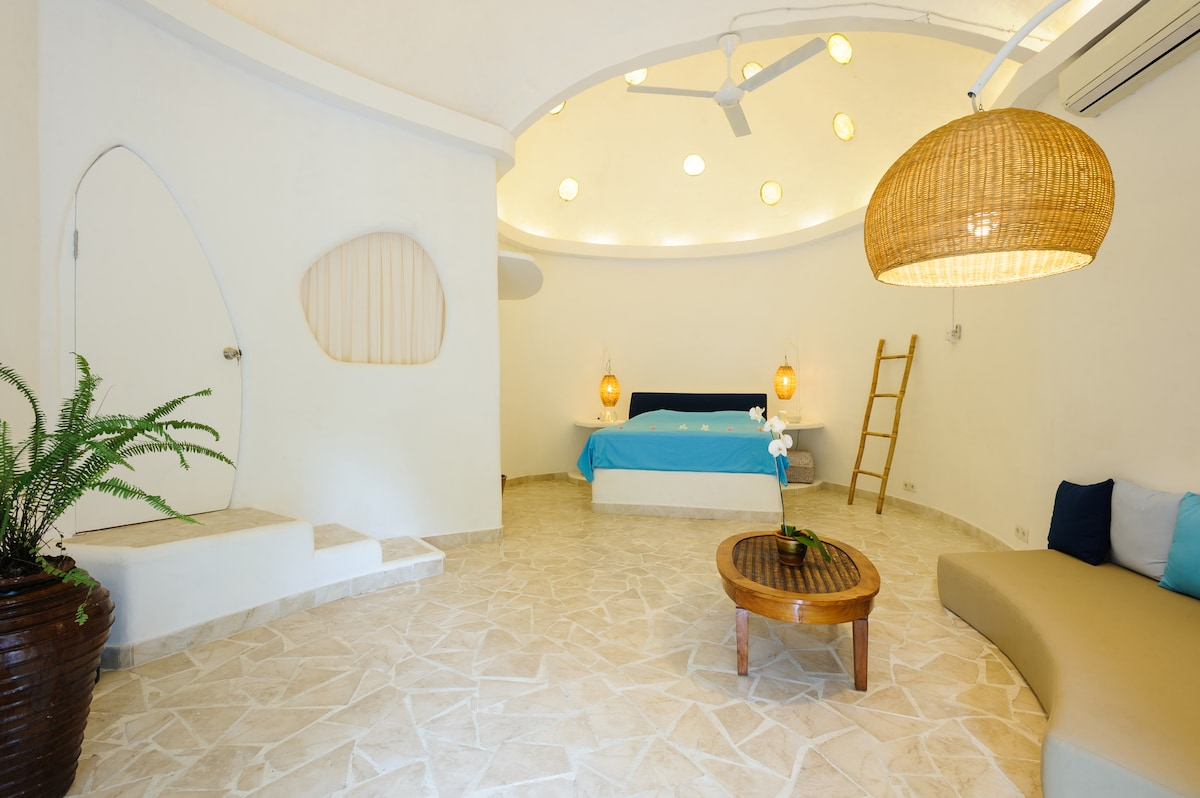 The dual-domed master bedroom.