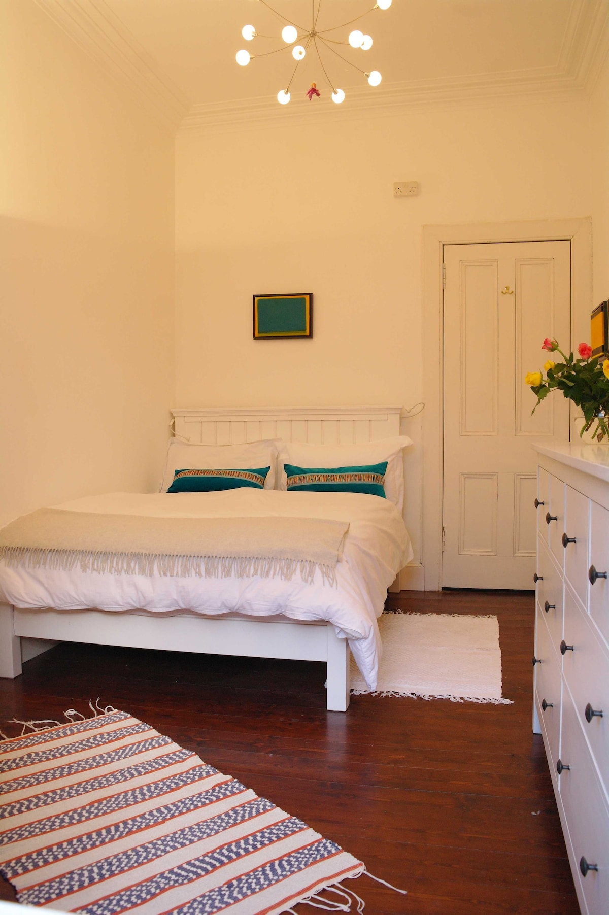 The quiet bedroom and its fully working shutters allow a good night's sleep