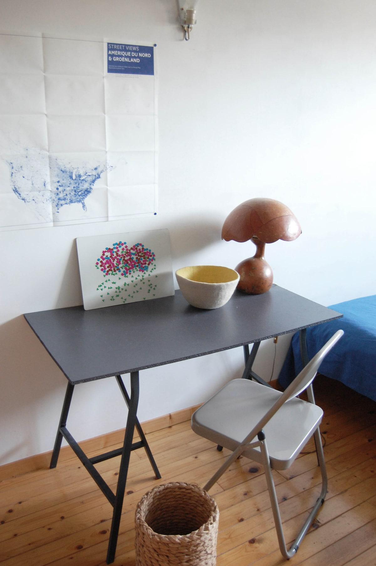 La chambre à louer Petit bureau