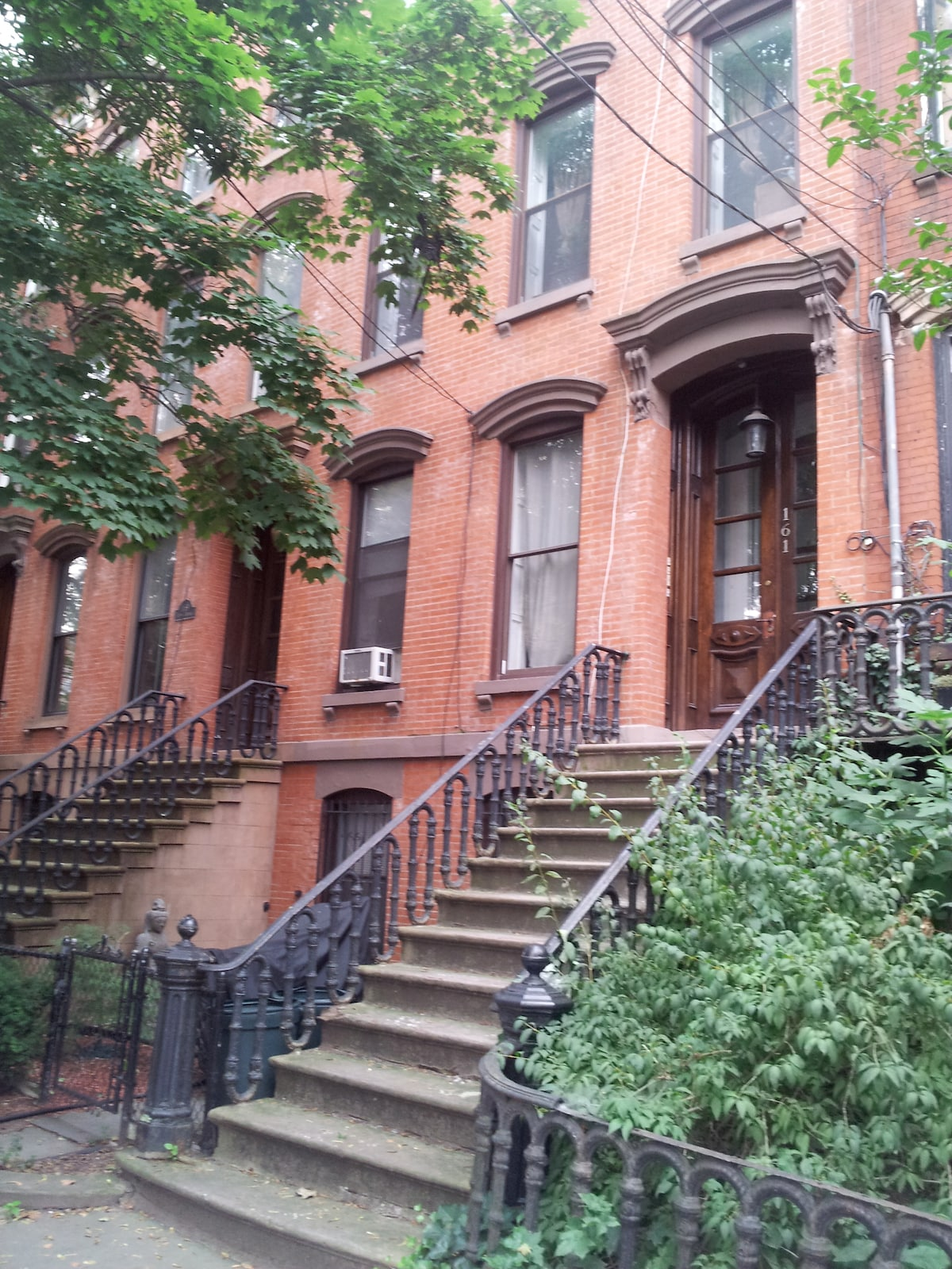 Exposed Brick Brownstone Apt!