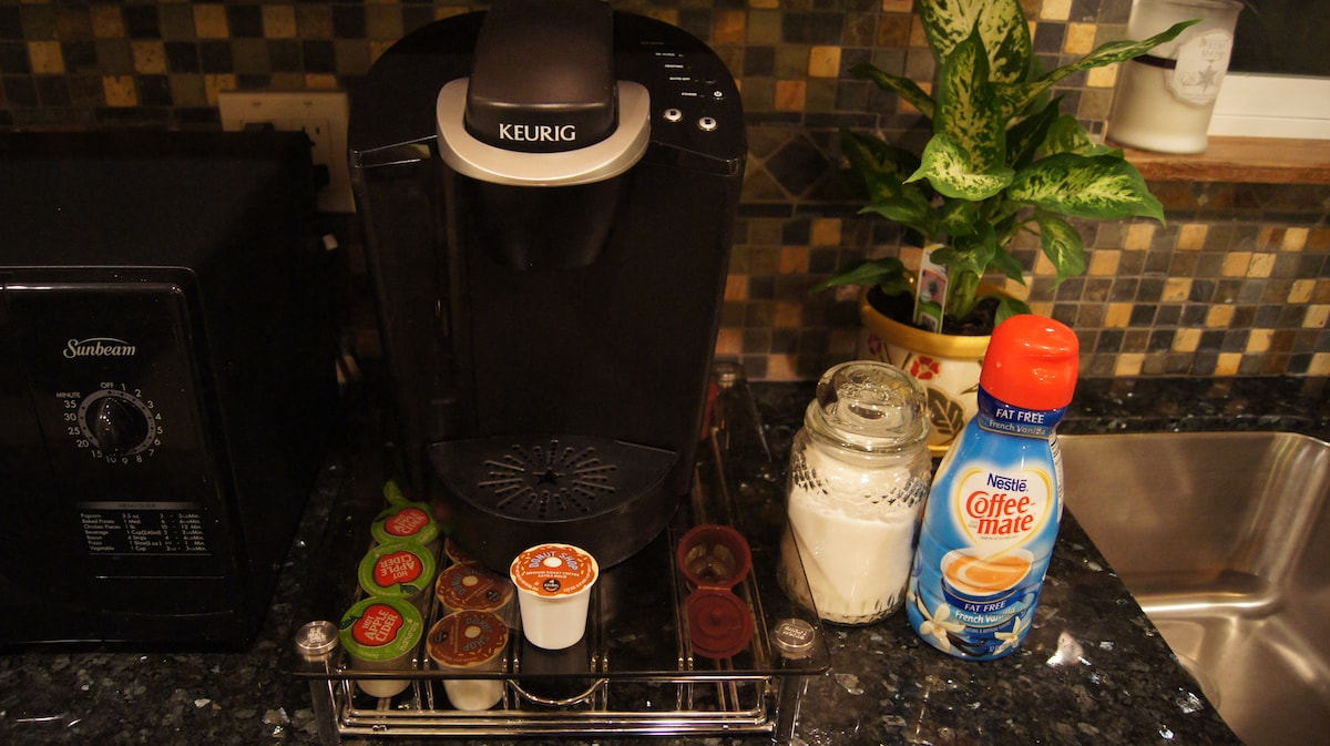 The Keurig Coffee Machine and an abundance of complimentary single-serve coffee cups will make waking up a breeze so that you can seize the day and hit the slopes fully caffeinated.