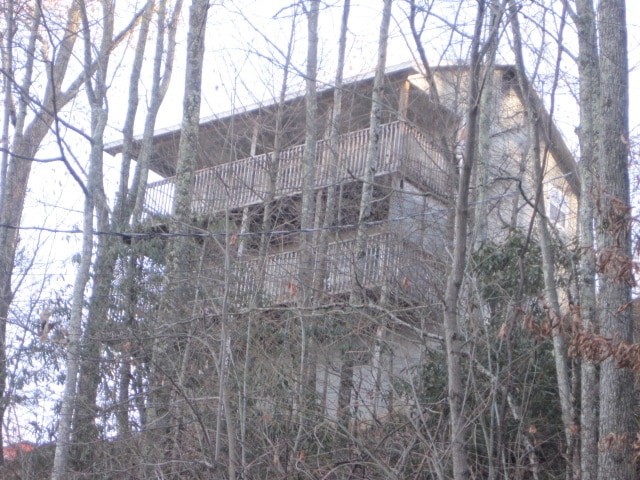 The chalet is situated on a ridge  that borders the Great Smoky Mountains National Park affording visitors a panoramic view  and easy access to trails.