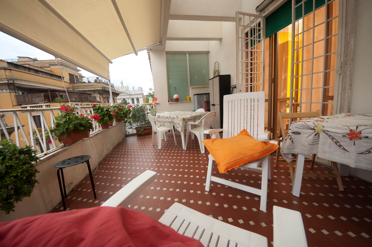You can have your breaksfast on the terrace