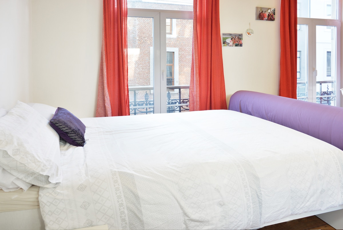 New comfortable double bed with clean bedding provided