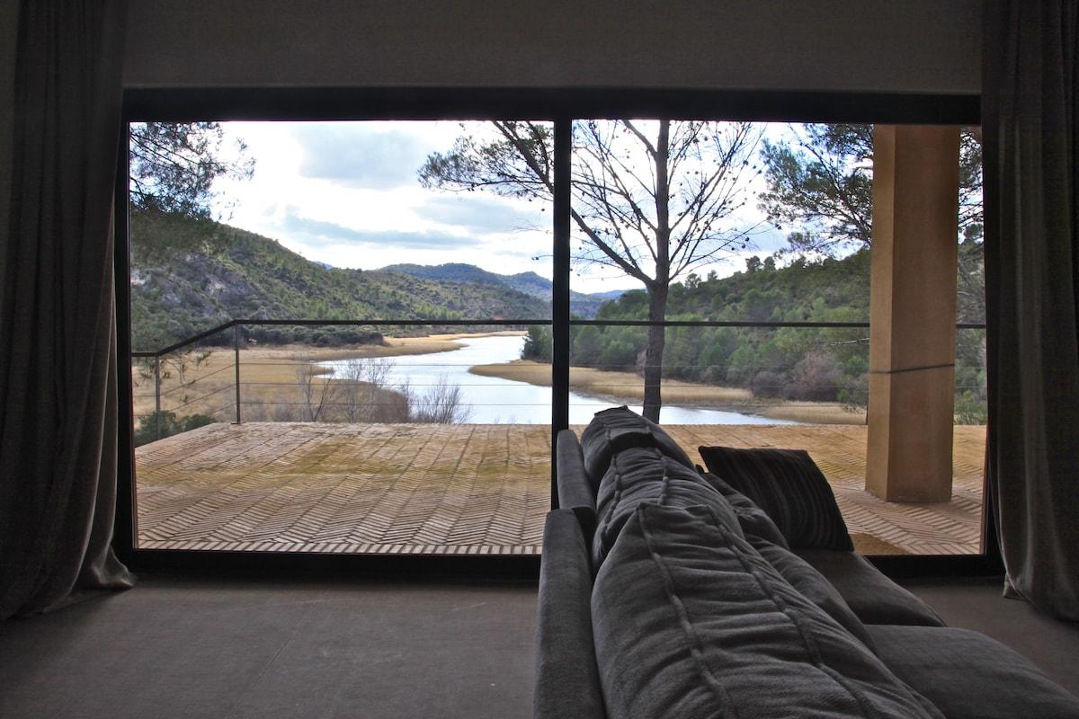 Luxury villa on lake near Madrid