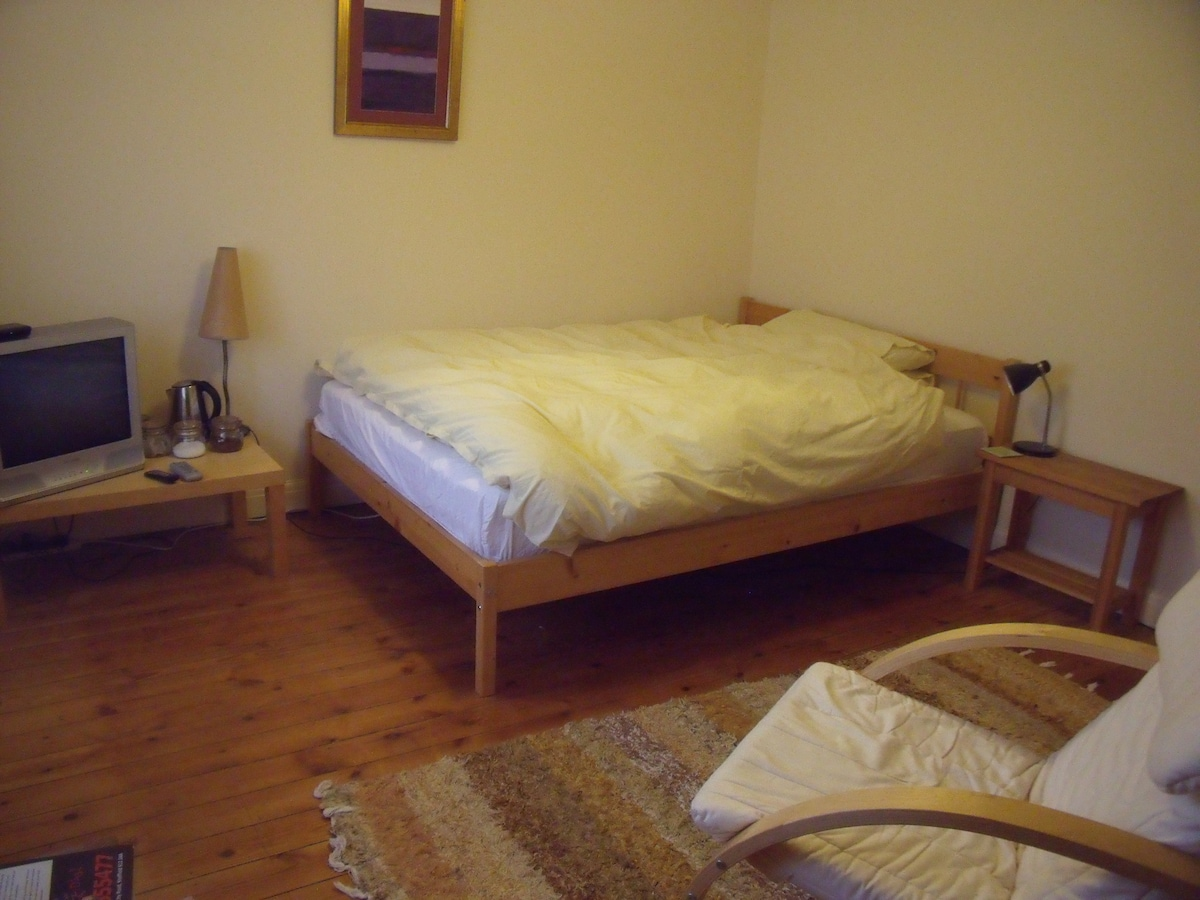 women only double room city centre