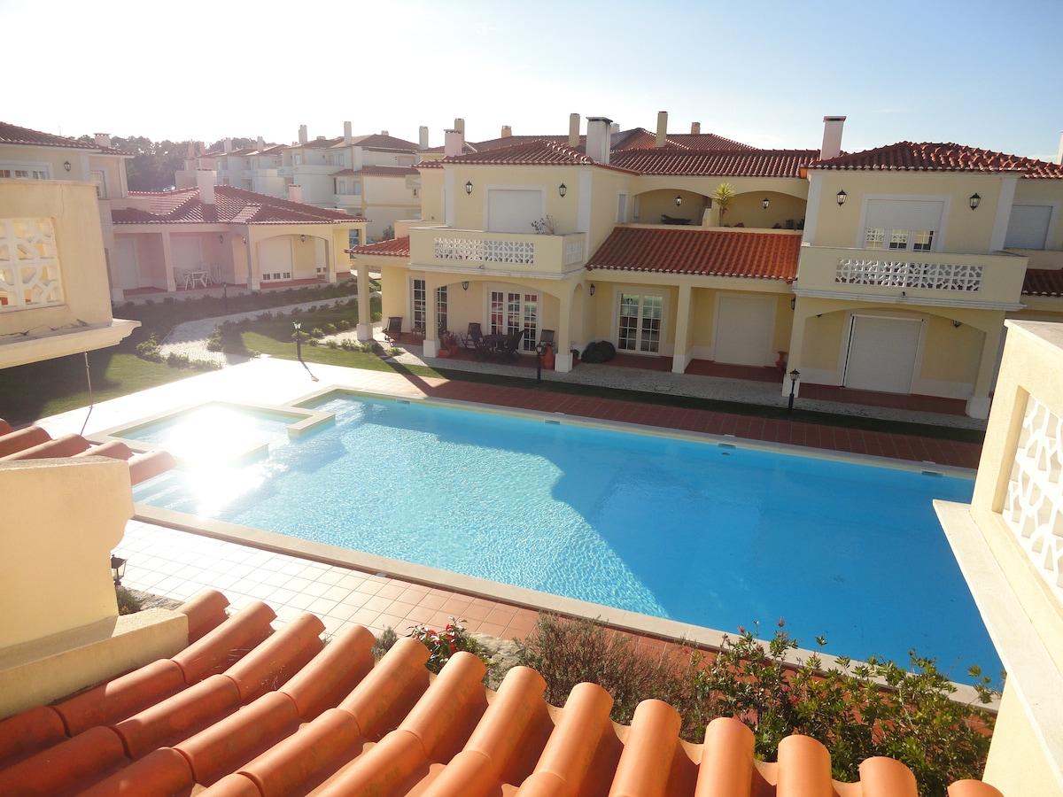 Apartamento na Praia DEl-Rey 142-13