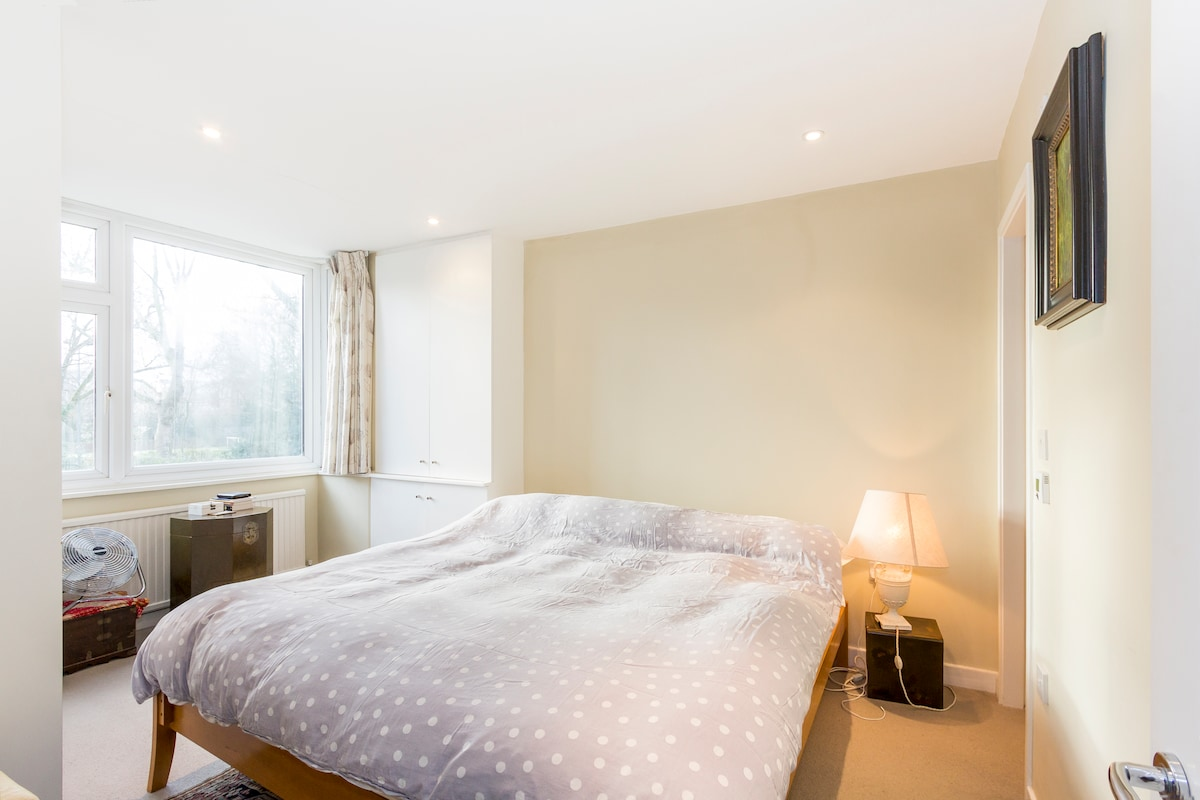 Master bedroom with Super king sized bed