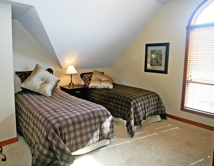 Third Twin Room