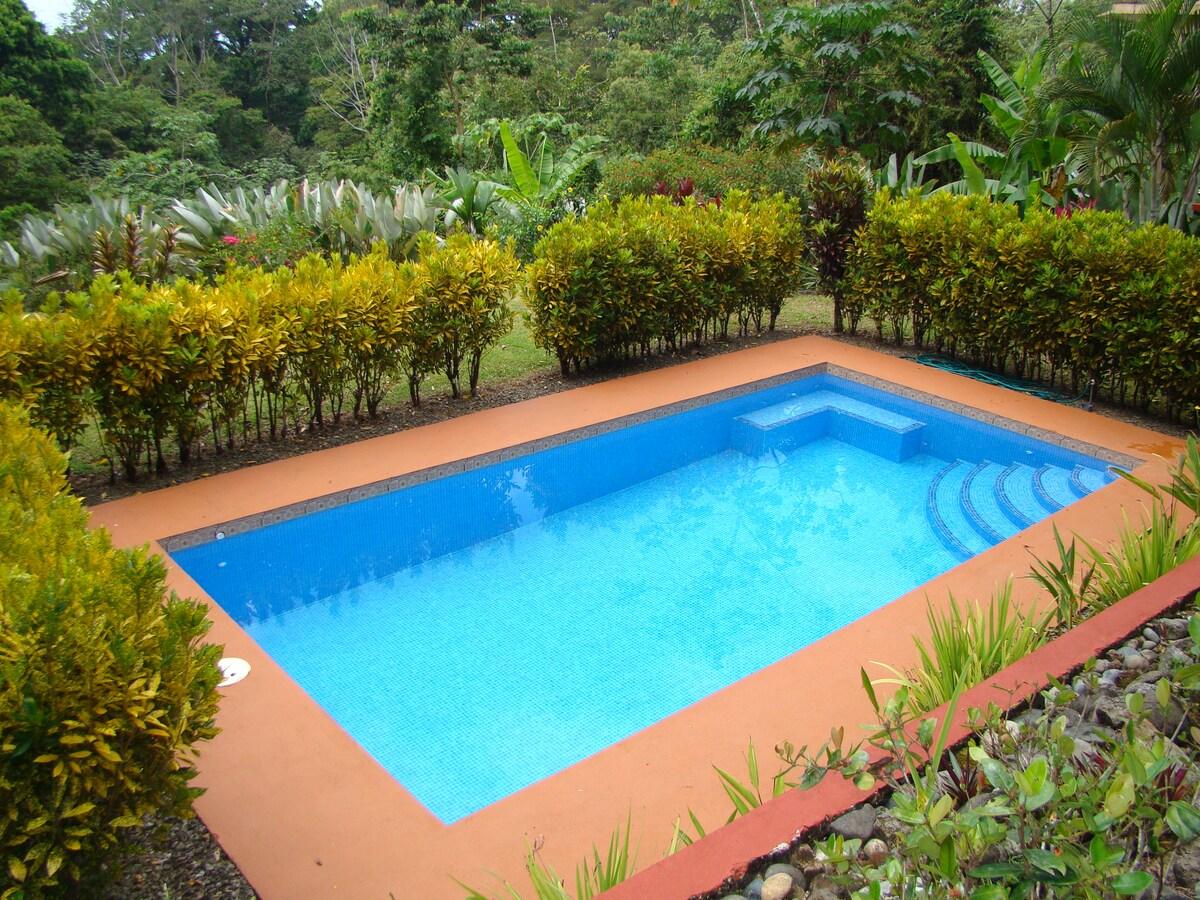 Private Pool, 10' x 30'