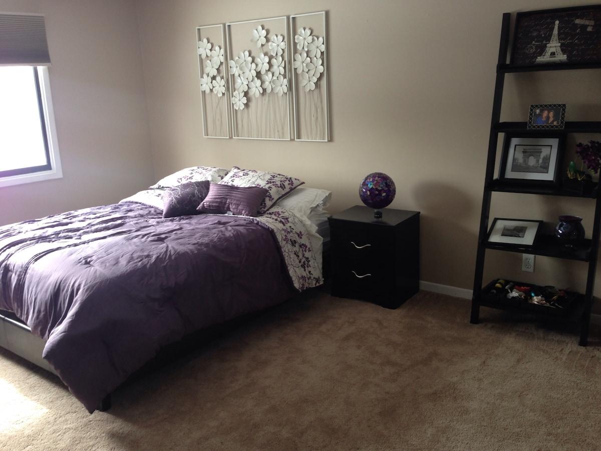 Updated 2 bed/2 bath in prime wdm!