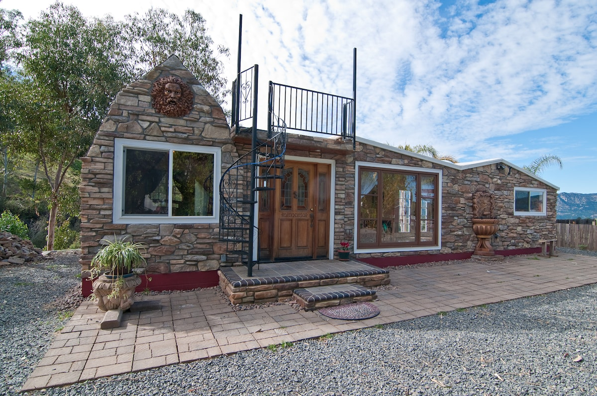 Country Lakeview Guesthouse getaway