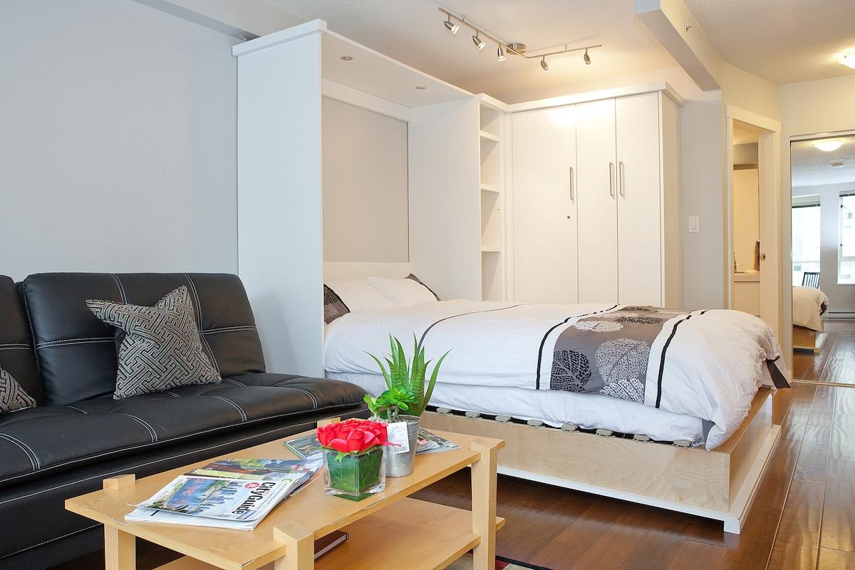 Ultra Modern Apartment in Yaletown