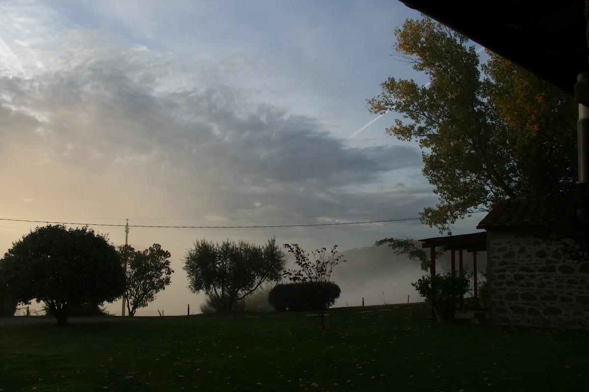 L'alba dalla finestra