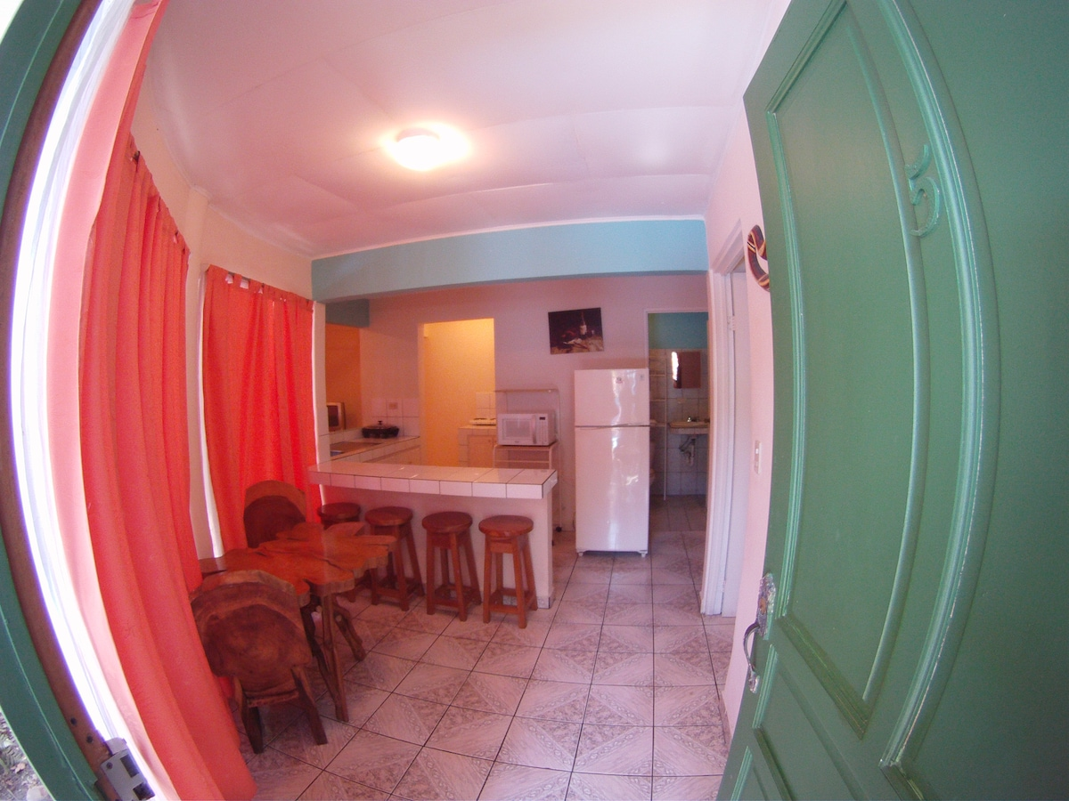 #5 Entrance dining room & kitchen
