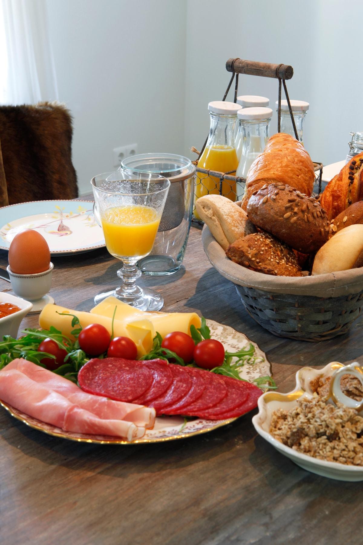 Uitgebreid ontbijt.