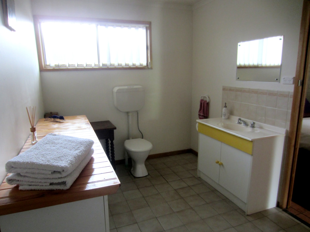 Spacious bathroom - towels and hand soap provided