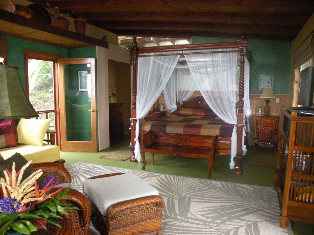 Indonesian teak furniture provides a romantic tropical comfort