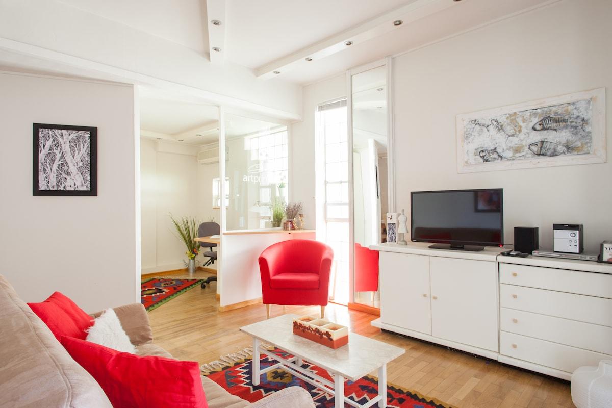 A quiet apartment in a garden