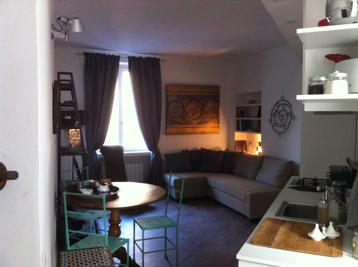 a decorated apartment al Balòn