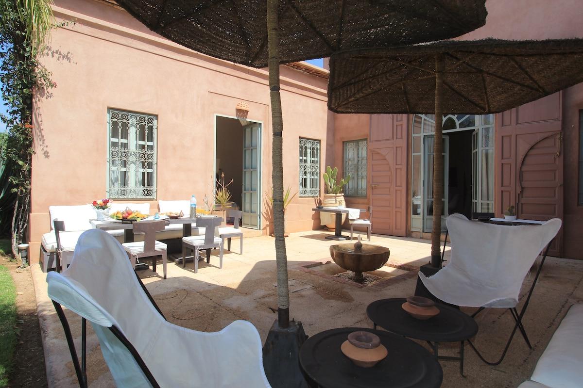 Your private villa in paradise!