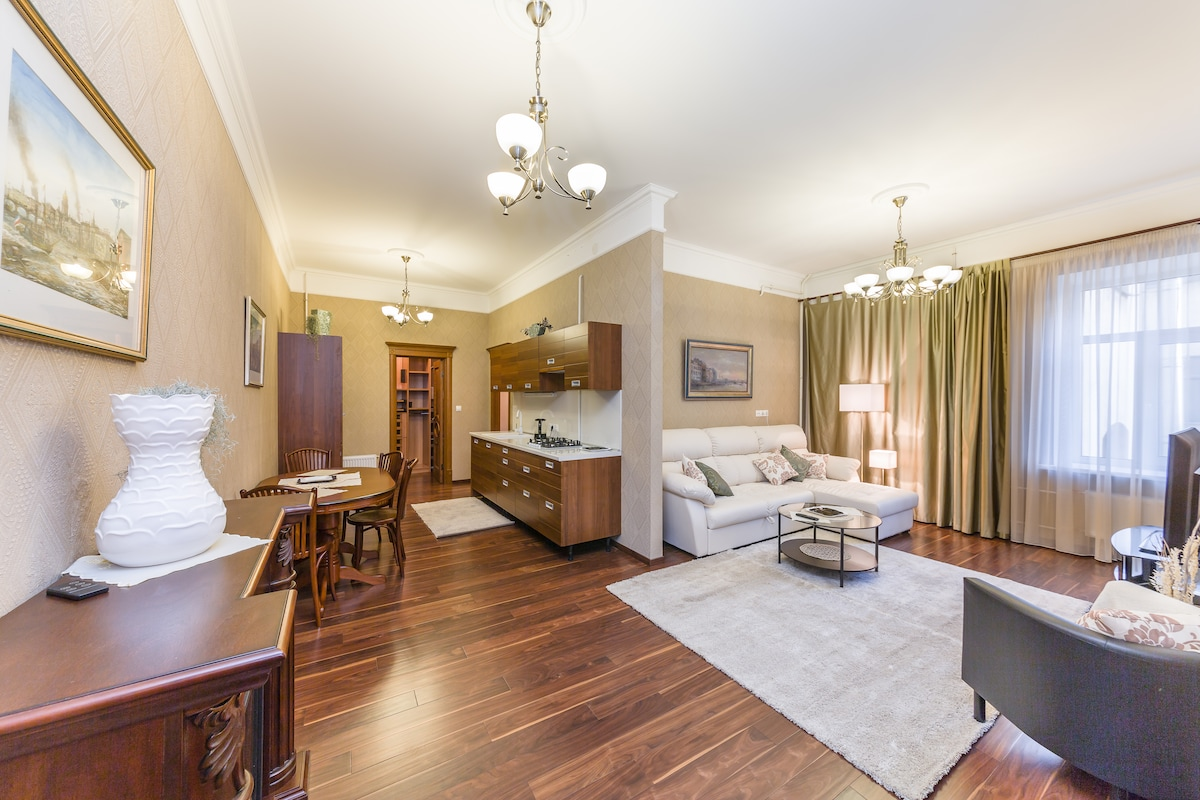 Great 3-room apt in the center