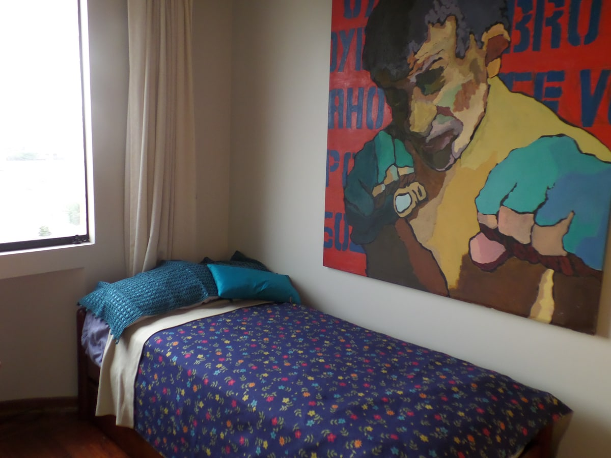 Very nice room in cosy appartment!!