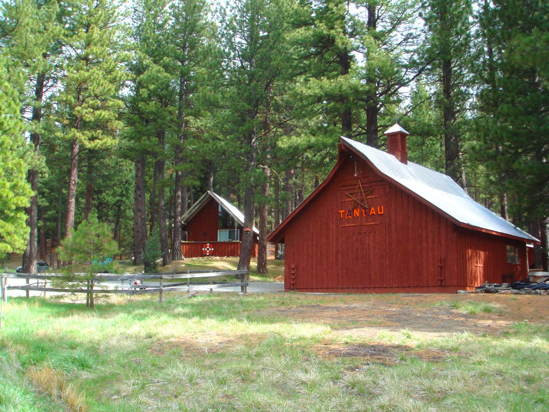 Mohawk Valley view ranch cabin (CA)