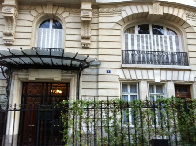 In a Parisian 'pierre de taille'  building