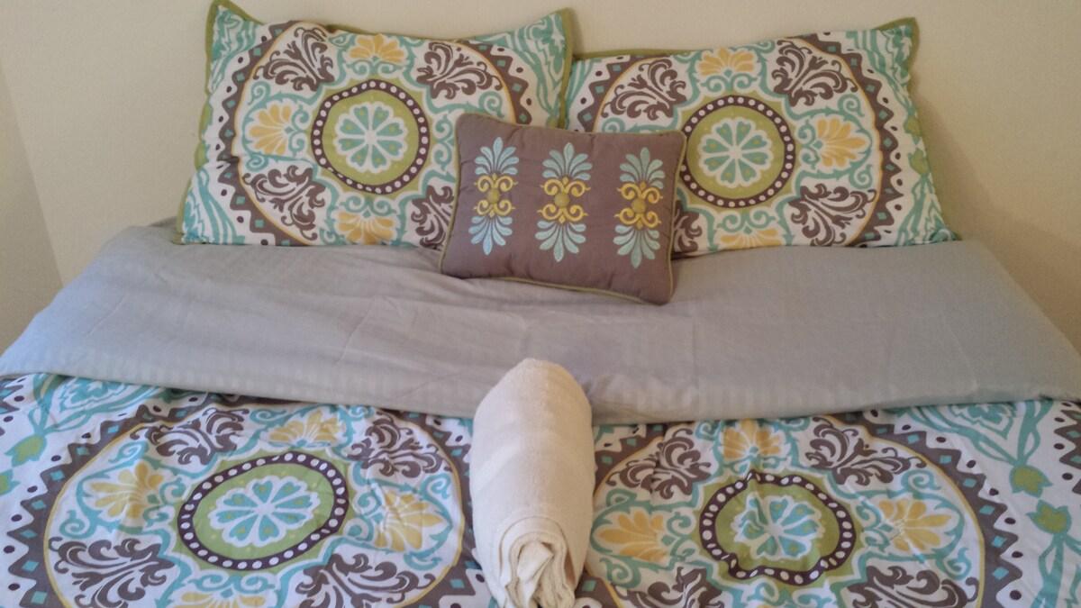 Queen size high raised air mattress bed