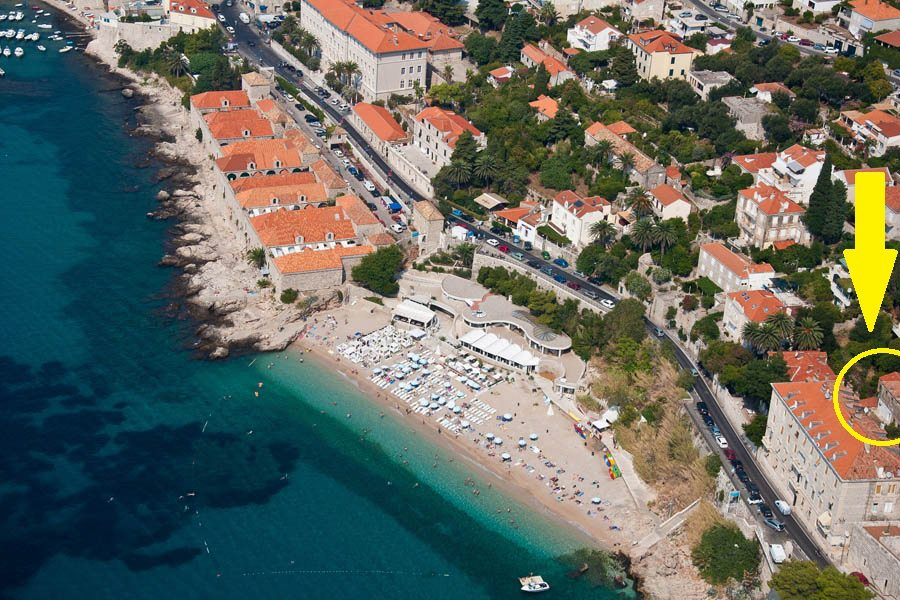 Main Dubrovnik Banje beach with the famous bar/restaurant/night club East-West) 3 minutes descending the stairs.