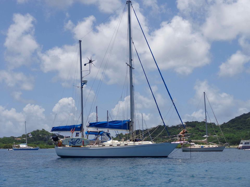 S/V Lunacy 42 ft ketch Grenadines