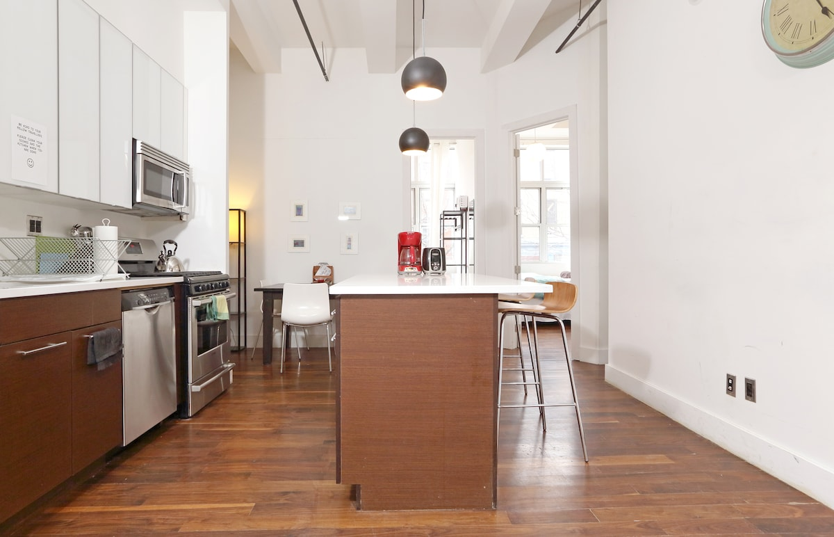Go on cook up something delicious in your spacious kitchen - I dare you!