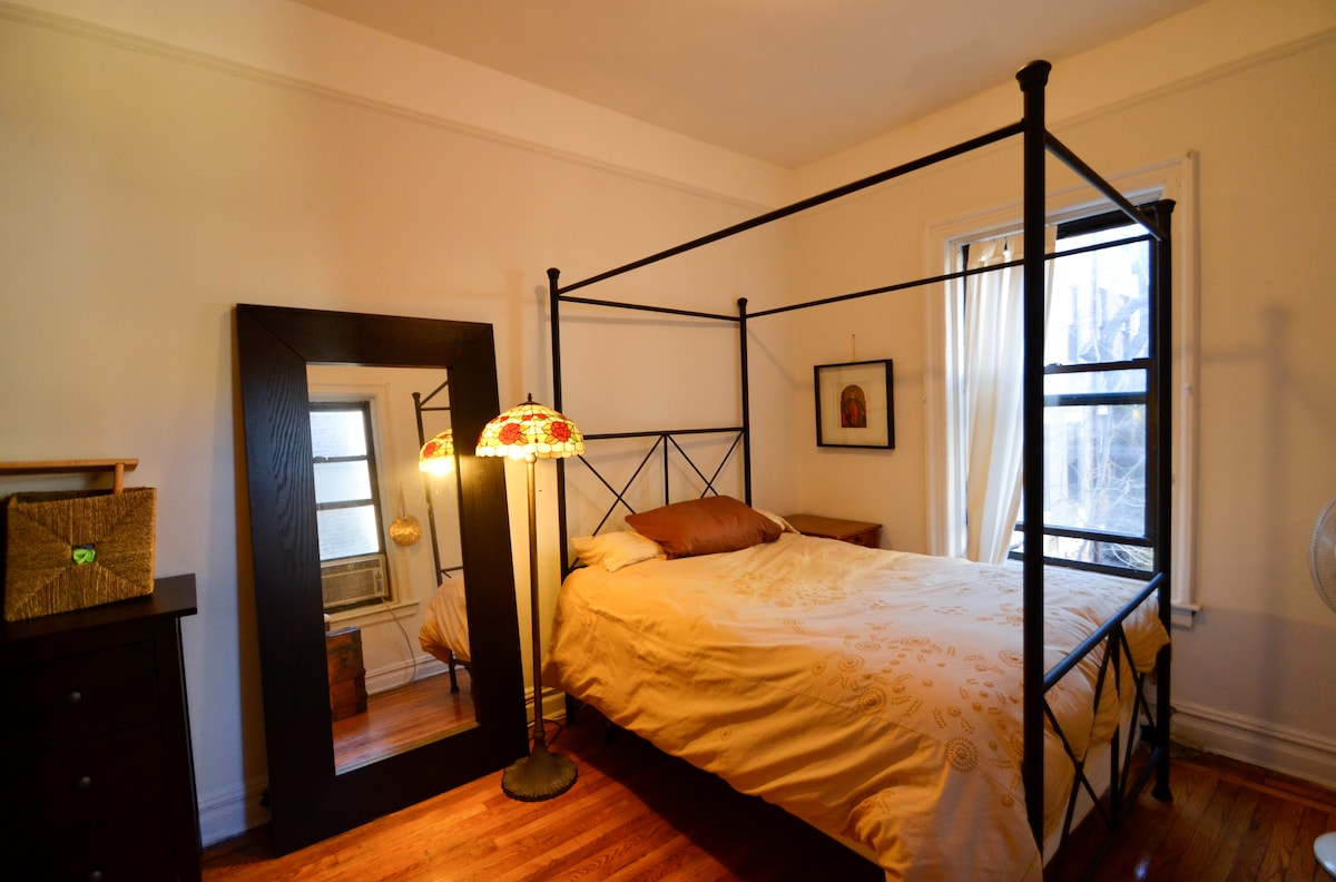 Sleeps 6+! 15 min to Times Square.
