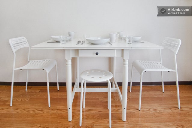 Foldable table with the eating utensils.