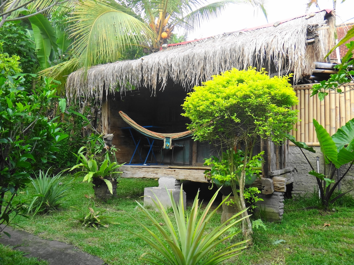 king fisher cottage with hammock for ultimate relaxation
