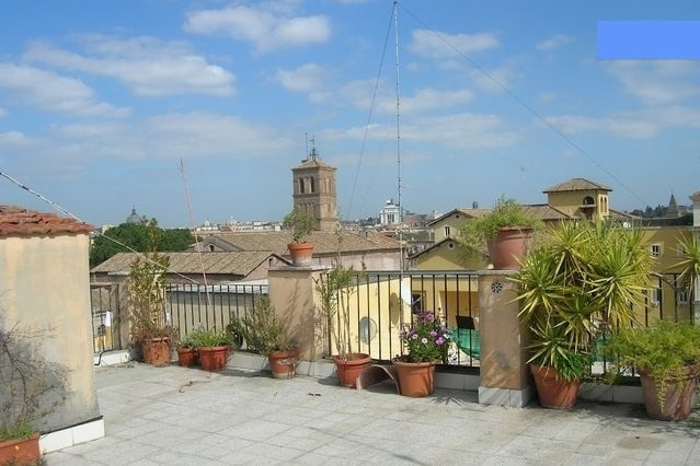 Stylish Apartment in Trastevere