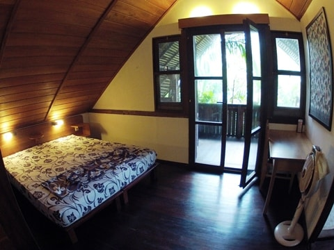 Delux Room with balcony and private bathroom