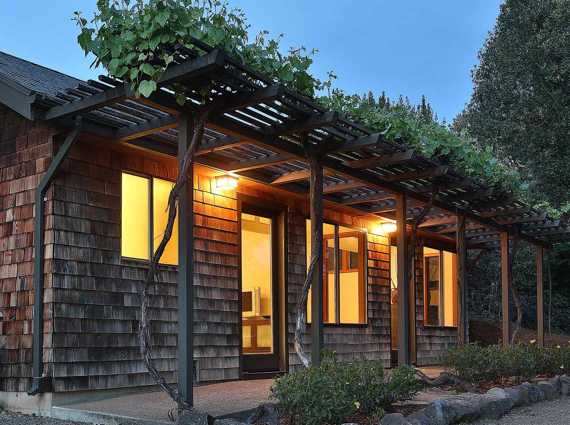 Hillside Wine Country Cottage