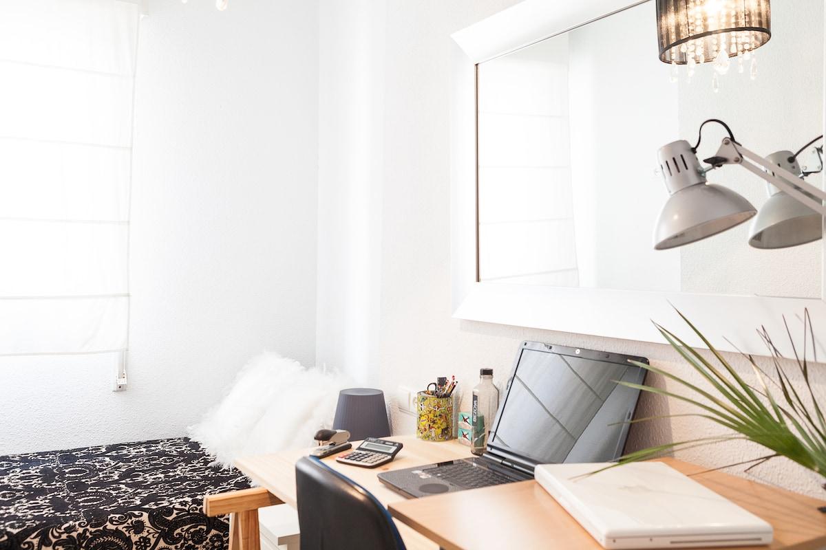 Single Room with BREAKFAST