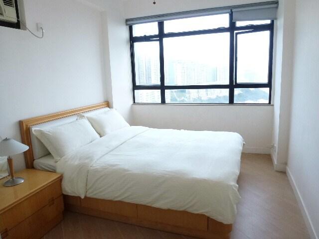 Sunny 2 bed 2 bath Discovery Bay