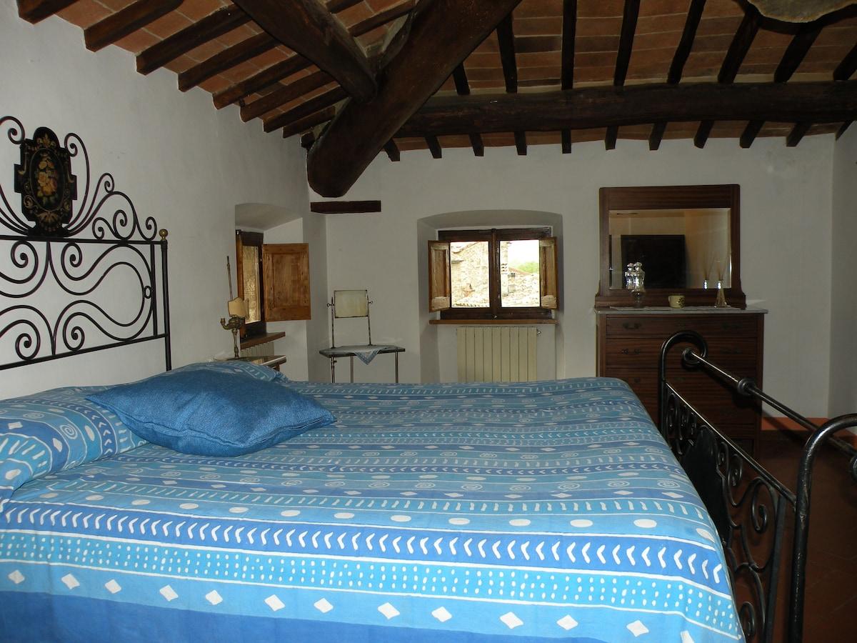 Romantic room in cottage Cortona