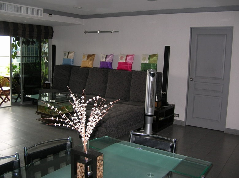 All rooms access to main living area with dining facilities